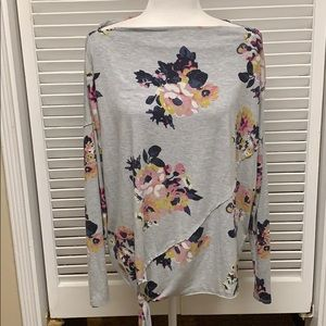 MAURICES long sleeve floral tee